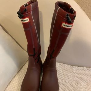 HUNTER Neoprene tall rain boots!